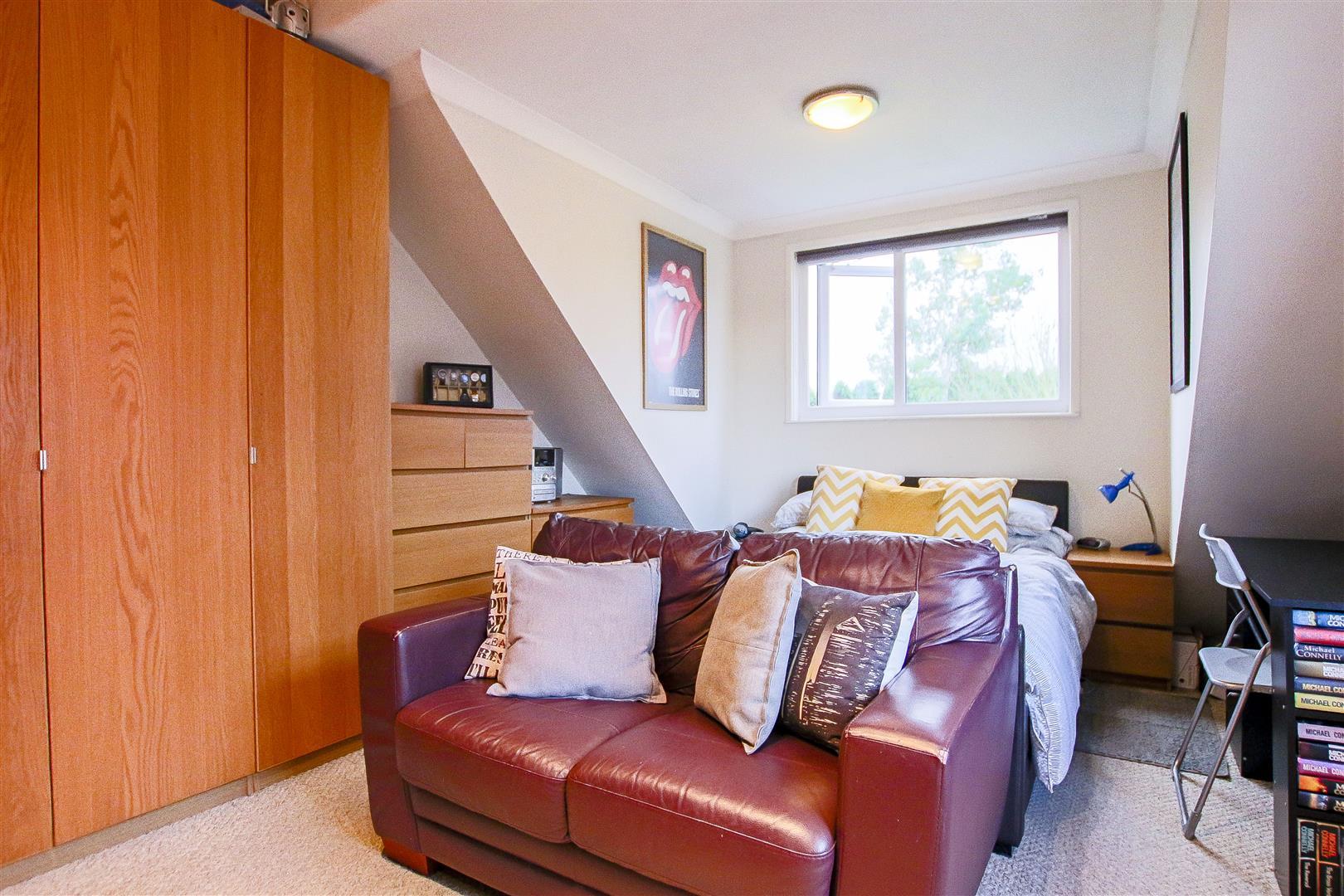 4 Bedroom Detached House For Sale - 37.jpg